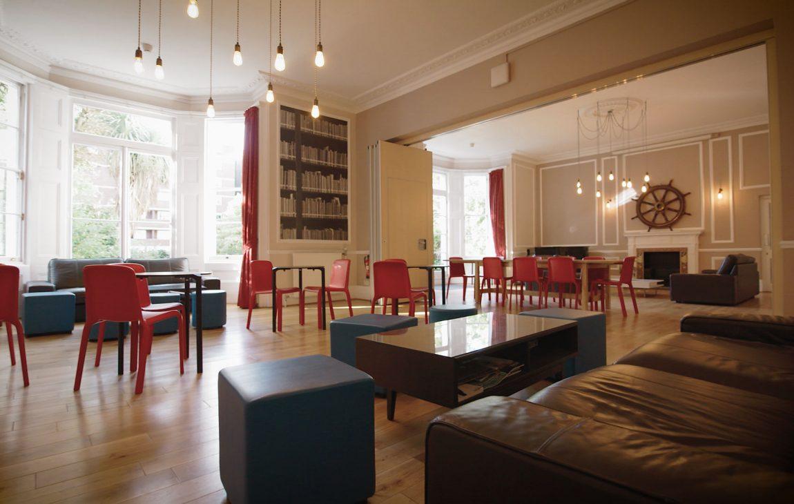 cafe facilities